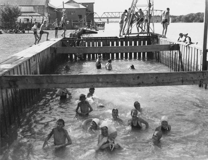 Swimming at Murray Bridge 35468