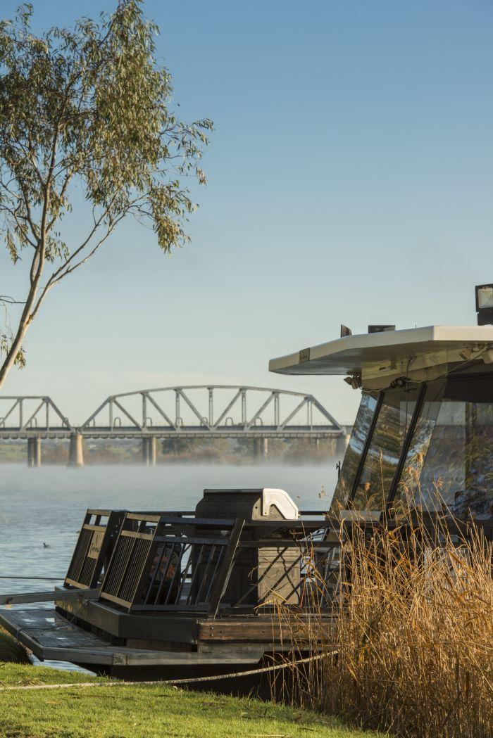 Sturt Reserve Houseboat
