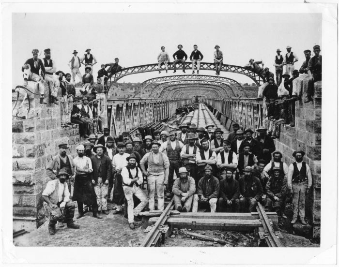 Bridge Construction with workers B11708