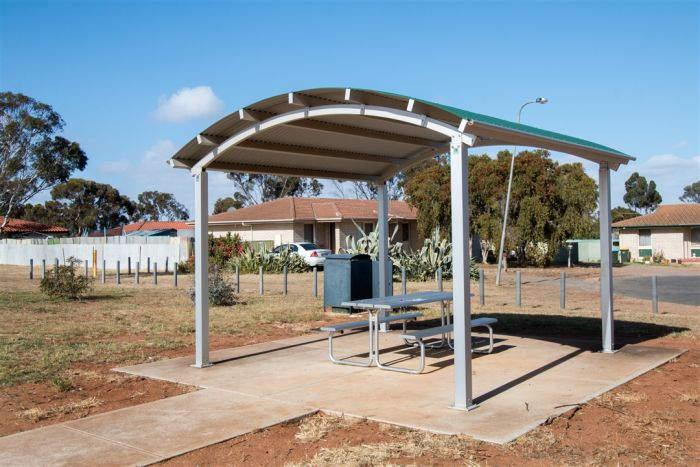 Magpie Drive Reserve Picnic Shelter